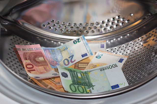 Hochleistungs-Waschmaschinen sparen Energie und Wasser (Foto: Marco Verch)